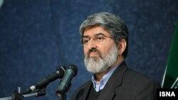 علی مطهری، نماینده مجلس ایران یکی از سخنرانان کنگره حزب مردمسالاری بود