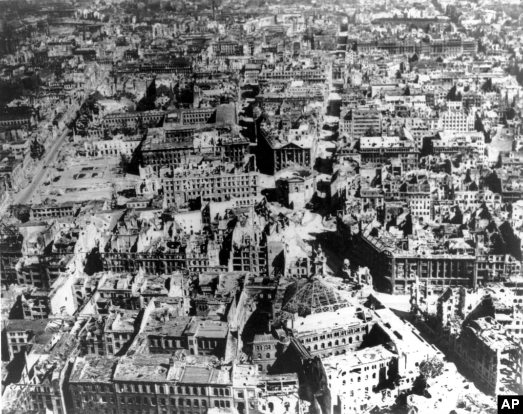 Berlin in wwii sites Traces of