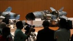 بقایای موشکهایی که به گفته عربستان ساخت ایران است و در حمله به تاسیسات نفتی عربستان مورد استفاده قرار گرفته اند