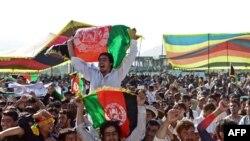 د افغانستان د کرکټ د مینه والو یو پخوانی عکس