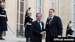 Francë/Rumani - Victor Ponta, kryeministri i Rumanisë takon presidentin e Francës François Holland, (Ilustrim)