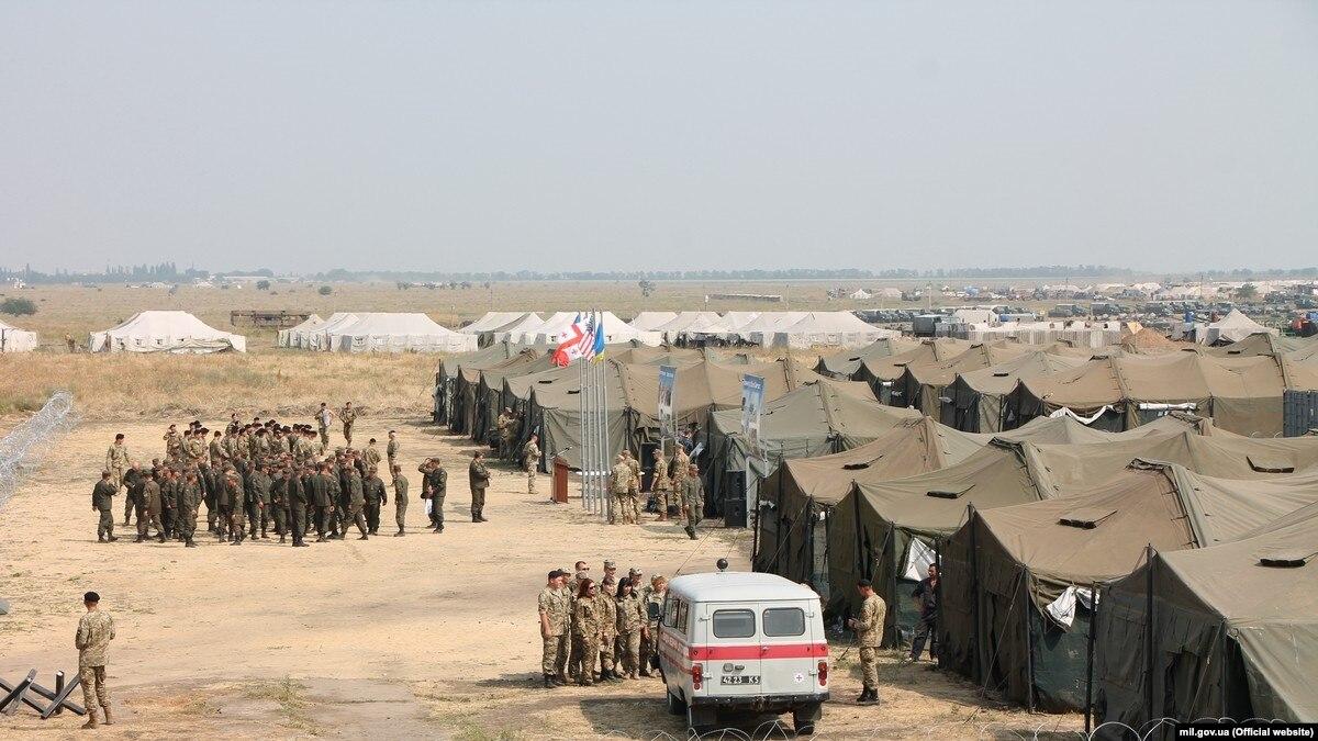Пожар на полигоне «Широкий лан»: 1 военный пострадал, продолжается служебное расследование