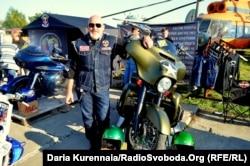 Александр Сирота у мотоцикла