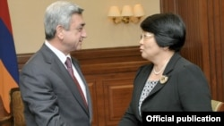 Armenia -- President Serzh Sarkisian meets with his Kyrgyz counterpart, Roza Otunbayeva, in Astana, Kazakhstan, 5July 2010.