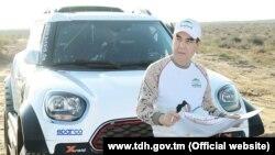 """Президент Туркменистана примет участие в авторалли """"Амуль-Хазар"""" в качестве гонщика"""