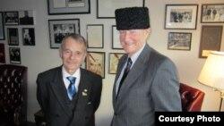 Лидер крымскотатарского народа Мустафа Джемилев (слева) и американский политолог, социолог и государственный деятель Збигнев Бжезинский. Вашингтон, 15 декабря 2010 года