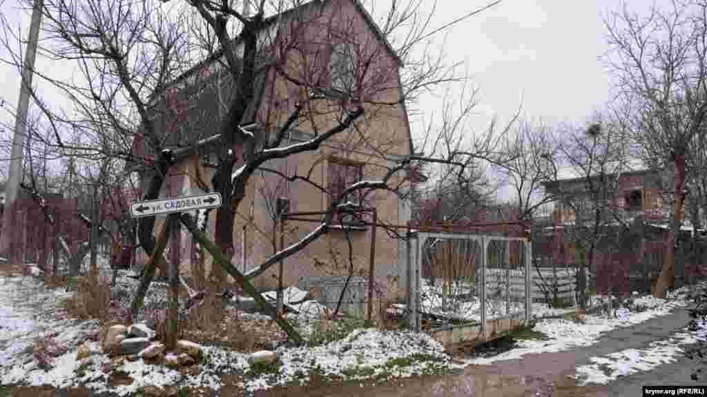 Садовий будиночок зразка 80-х років минулого століття