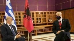 Kryeministri i Shqipërisë Edi Rama dhe ministri i Jashtëm i Greqisë Nikos Dendias