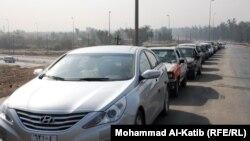 الموصل: صف طويل من السيارات للحصول على البنزين
