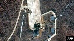 Солтүстік Кореядағы Тонгчанг-ри ғарыш айлағының спутник түсірген суреті