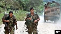 Бойцы Революционных Вооруженных Сил Колумбии