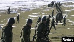 Расейскія вайскоўцы падчас вучэньняў у Таджыкістане, 2012 год.