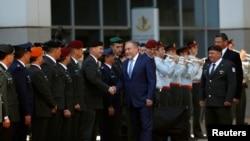 منتقدان آویگدور لیبرمن وزیر دفاع اسرائیل نگران هستند تنش جدید موجب لطمه خوردن تلاش اسرائیل برای گرفتن کمکهای نظامی از آمریکا شود.