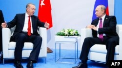 Presidenti turk, Recep Tayyip Erdogan dhe ai rus, Vladimir Putin - Foto nga arkivi