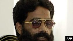 Кашмирлік бүлікшілер тобының жетекшісі Мохаммад Илияс Кашмири Исламабадтағы баспасөз мәслихатында. 11 шілде 2001 жыл.