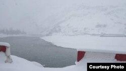 Снегопад в ГБАО. Иллюстративное фото