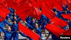 Північна Корея відсвяткувала 70-річчя парадом без балістичних ракет – фото