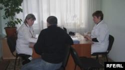 Пациент на приеме у врачей. Иллюстративное фото.