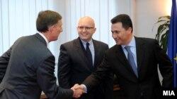 Средба на премиерот Никола Груевски со заменик-помошникот државен секретар на САД Филип Рикер и со амбасадорот на САД во Македонија Пол Волерс,18 јануари 2012
