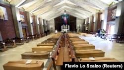 კუბოები იტალიის ერთ-ერთ ეკლესიაში