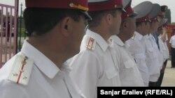 """Кыргыз милициясында же укук коргоо кызматкерлеринин арасында азыр """"курсактуулар"""" өтө эле көп."""