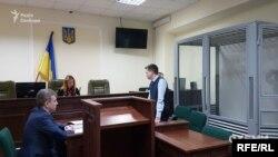 На першому засіданні слідчий ДБР клопотав про вилучення документів у Департаменту спецрозслідувань ГПУ, отриманих під час обшуку