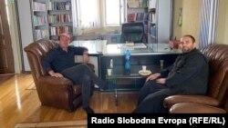 Отец Миле Ангеловски и дебарскиот муфтија Решат Качалнику на Бајрамската средба во Дебар