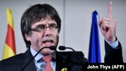 Gaçgaklykdaky öňki katalan lideri Karles Puigdemont
