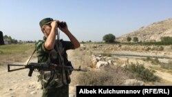 Баткендеги кыргыз чек арачысы