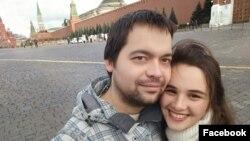 Приемные родители Александр и Елена Шуклины