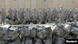 جنود أميركيون ينسحبون من قاعدة قرب الناصرية