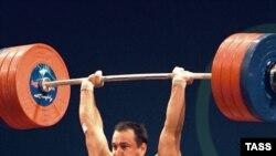 Достойным примером для Алексея Юфкина является его тёзка Петров - Олимпийский чемпион Атланты (на снимке)