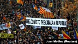 Дэманстрацыя прыхільнікаў каталёнскай незалежнасьці ў Барсэлёне, 16 лютага 2019