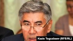 """Сопредседатель Общенациональной социал-демократической партии """"Азат"""" Жармахан Туякбай. Алматы, 18 октября 2010 года."""
