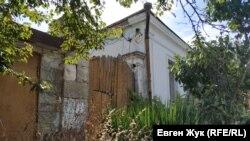 Еще один «дом-старичок» на Дзигунского