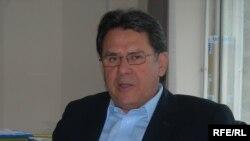 БҰҰ босқындар ісі жөніндегі Жоғарғы Комиссарының Қазақстандағы өкілдігінің басшысы Сезар Дюбон. Алматы, 8 қыркүйек, 2009 жыл.