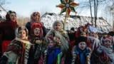 Колядники в Національному музеї народної архітектури та побуту України, село Пирогів, околиця Києва, 7 січня 2014 року (ілюстраційне фото)