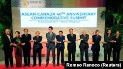 Маниладагы саммитке катышкан өлкө лидерлери.