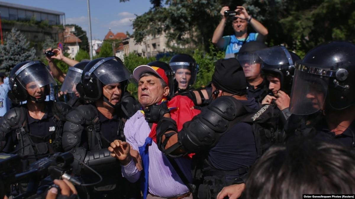 Антикоррупционный митинг в Бухаресте: власти Румынии заявляет о сотнях пострадавших