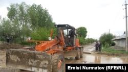 Иллюстративное фото - последствия селя в Ошской области, 26 апреля 2012 года.