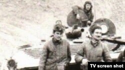 """Призывники из Казахстана, участвовавшие в советской войне в Афганистане. Фото из фильма """"Партизаны""""."""