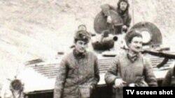 """Казахстанцы - военнослужащие Советской армии, участвовавшие в войне в Афганистане. Фото из документального фильма """"Партизаны""""."""