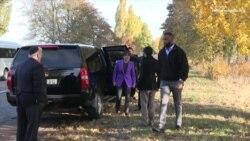 Міністр торгівлі США з'їздила в селище своїх пращурів на Київщині (відео)