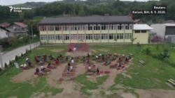 Prvi školski dani pod vedrim nebom