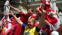 Данці і португальці у Львові веселяться перед матчем