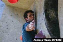 Razvan Nido antrenament la Climb Again București