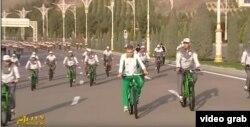 Президент Туркменистана Гурбангулы Бердымухамедов отмечает Всемирный день здоровья. Ашгабат, 28 марта 2021 года.