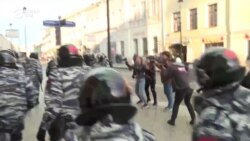 Desetine privedenih na protestu u Moskvi