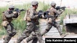НАТОнун аскерлери.