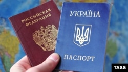 While thousands of Russian-speaking Ukrainians are streaming across the country's eastern border to flee the ongoing violence in their country, an increasing number of disenchanted Russians are heading in the opposite direction and some are even looking to swap their passports for a Ukrainian one.